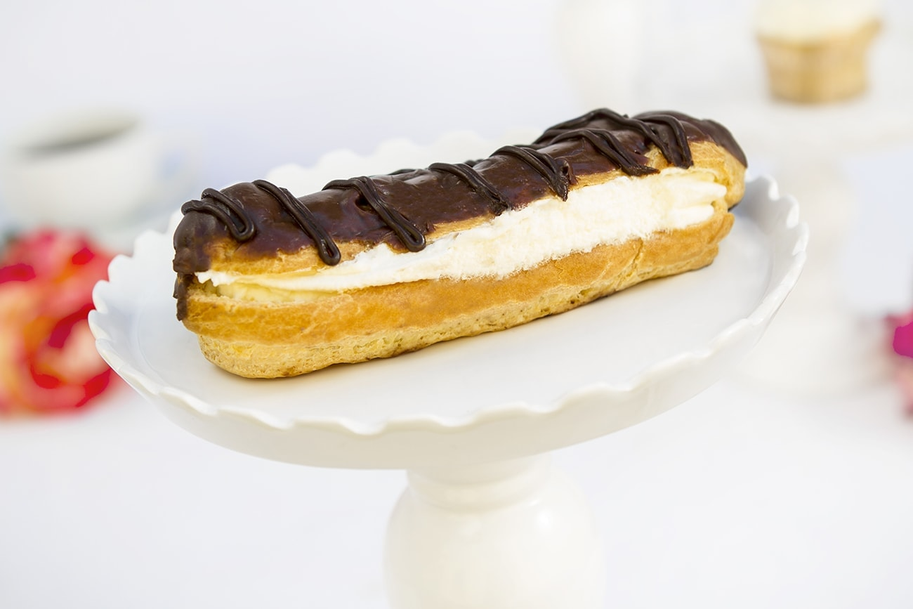Whipped Cream Eclair (alt)