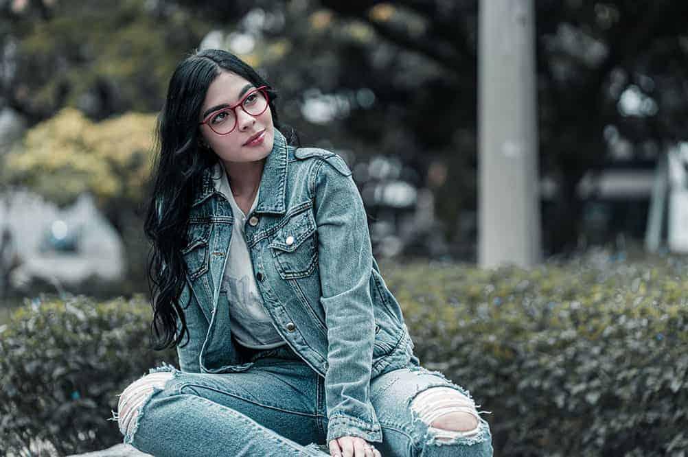 portrait shot lady with glasses