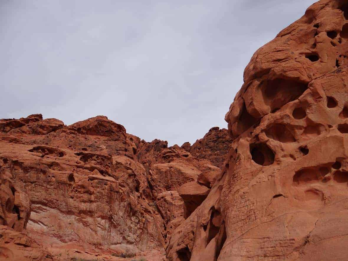 A sandstone formation in the Valley of Fire Nevada State Park caused by erosion.  Photo: Alex Demas, USGS. Public domain.
