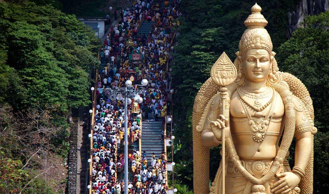 Uitbundige Thaipusam viering in januari of februari.
