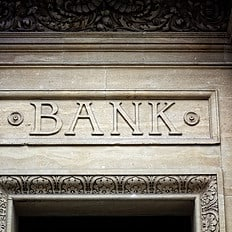 What Is The Difference Between a Bank and a Credit Union in Canada?