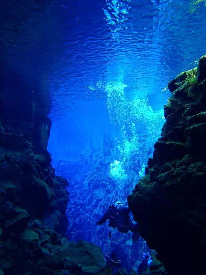 Scuba diver exploring the Silfra. Photo: Thomei08, public domain, MediaWiki Commons, 2012.