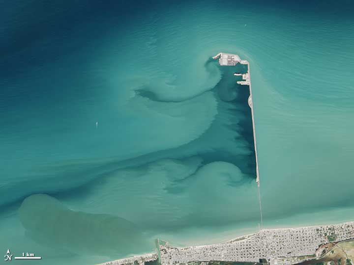 Landsat 8 captured this satellite image of Progreso Pier in 2014. Image: NASA.