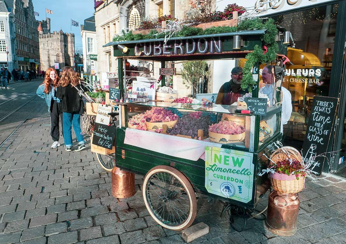 Cuberdon kraam op de Groentemarkt