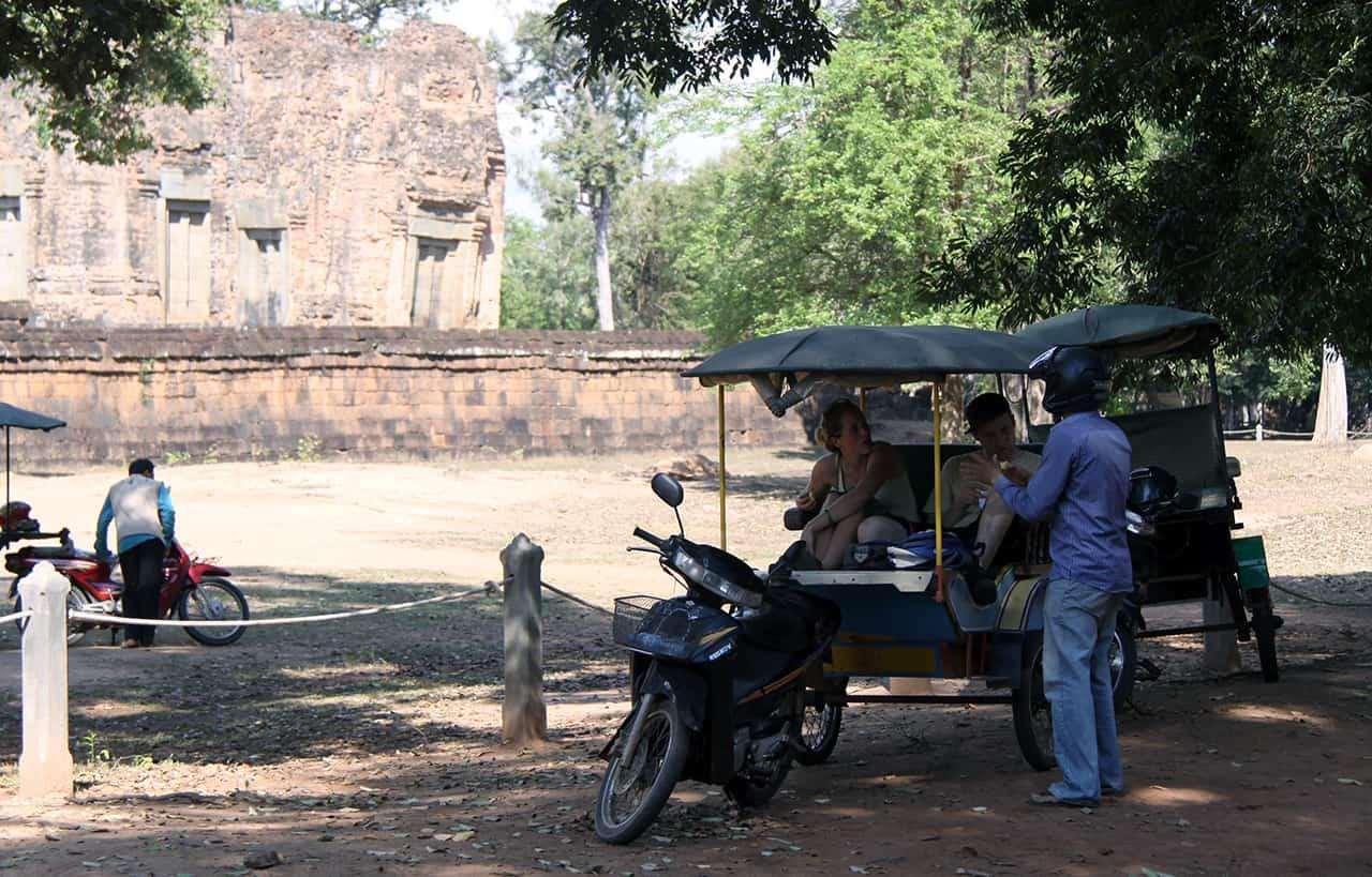 Met de Tuktuk naar Angkor