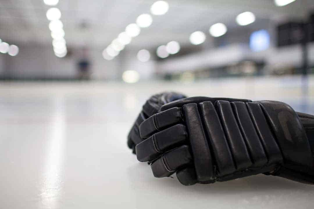 ice hockey equipment gloves