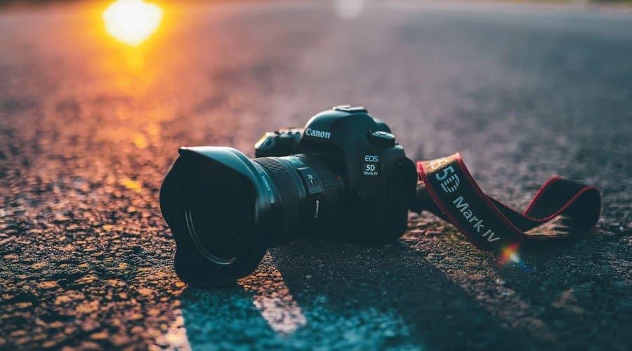 Canon-5D-Mark-IV-body