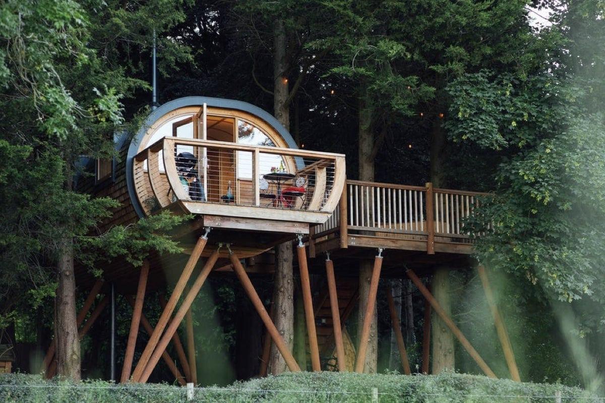Dabinett Treehouse - best treehouse retreats