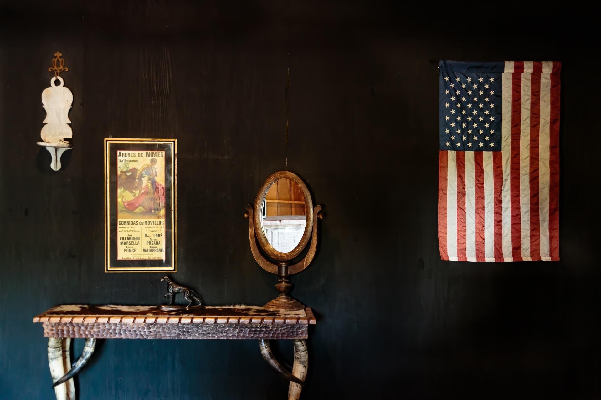 Groom Lounge at Esperanza Ranch