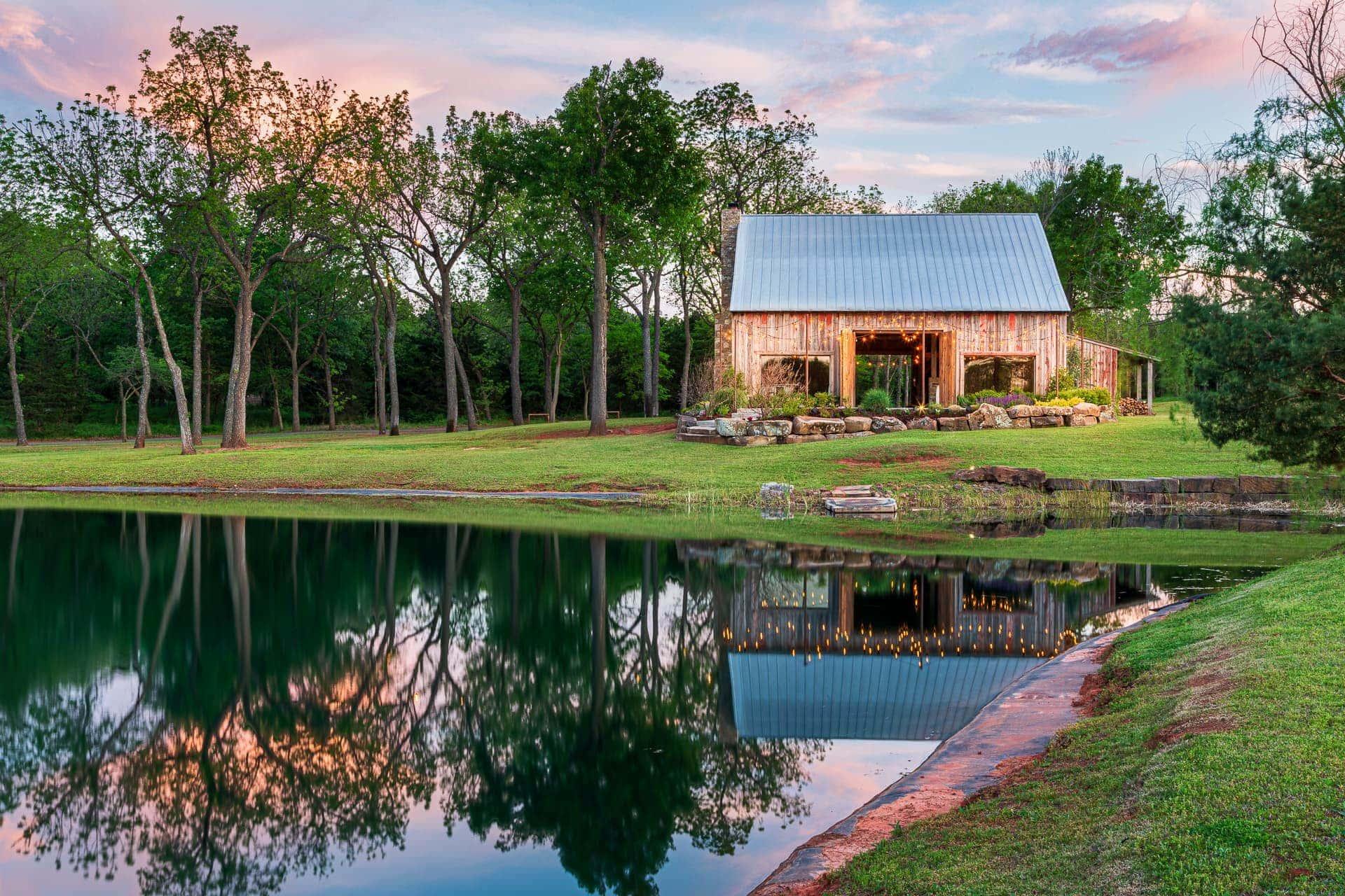 Esperanza Ranch - The choice for Oklahoma's Barn Weddings