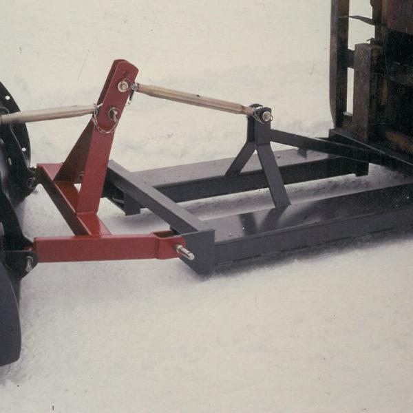 Truckramme: Rammen hadde skråstilling og gjorde det mulig å montere trepunktmontert utstyr på trucken.