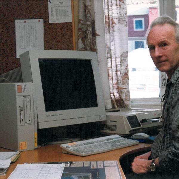 Lang konstruksjonserfaring 2: Bildet viser Kjell Tolo. Han var ansatt ved bedriften i 40 år, 35 av disse som konstruksjonssjef.