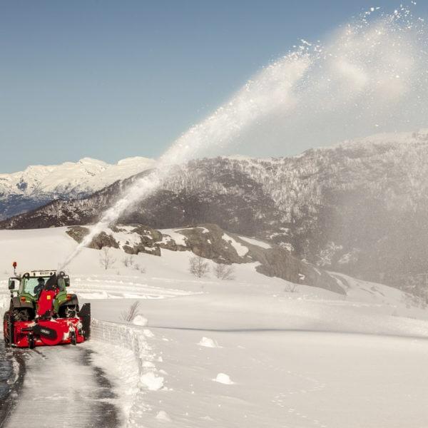 Dalen Snøfres 2109 - Ny effektiv og lettdrevet totrinnsfres for traktorer fra 60hk!