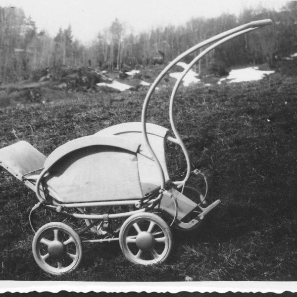 Prototype: Etter at produksjonen av sykkelkjetting var kommet i gang, begynte jakten på nye produkter. I 1950 ble denne prototypen av en barnevogn utviklet. Vognen kom imidlertid aldri i produksjon.
