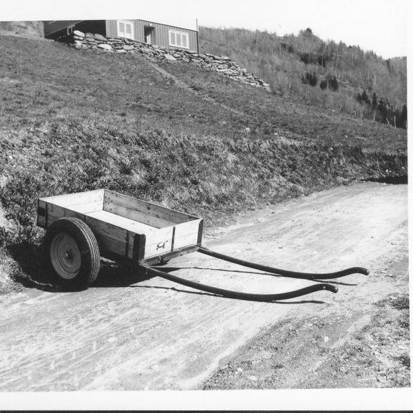 Hestevogn: Denne hestevognen, type H16K, ble produsert i impregnert materiale og hadde en lasteevne på 1000 kg.