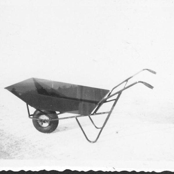 Trillebår: Trillebår T7 hadde en bæreevne på 150 kg og rettet seg mot privatmarkedet, da den var ideell for hagebruk.