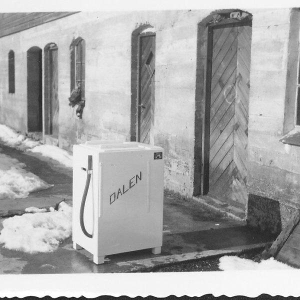Vaskemaskin: I 1956 ble det produsert en vaskemaskin ved Lid Jarnindustri. Maskinen var det første produktet som ble solgt under DALEN navnet. Produksjonen ble imidlertid kortvarig.