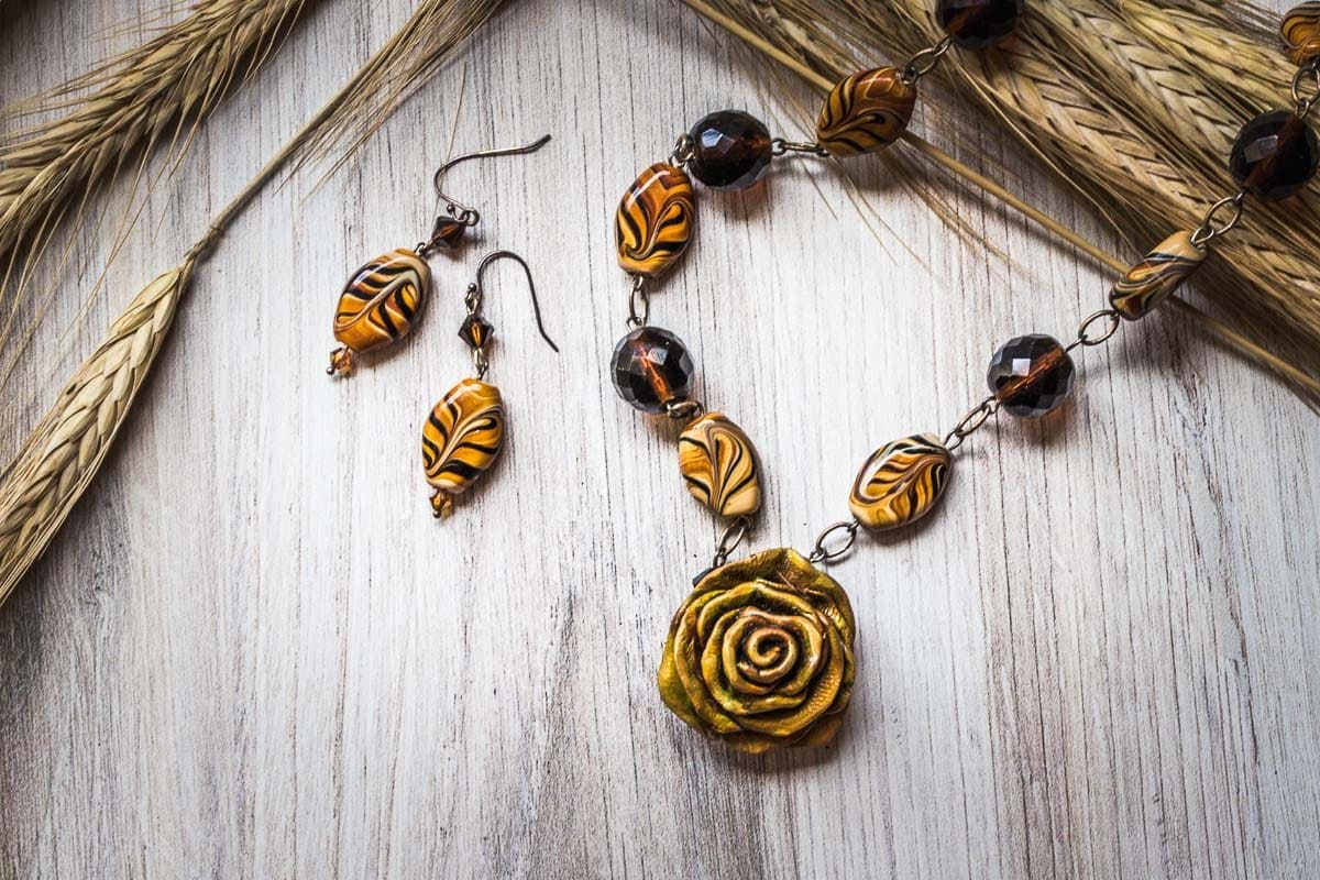 Brown Rose Necklace