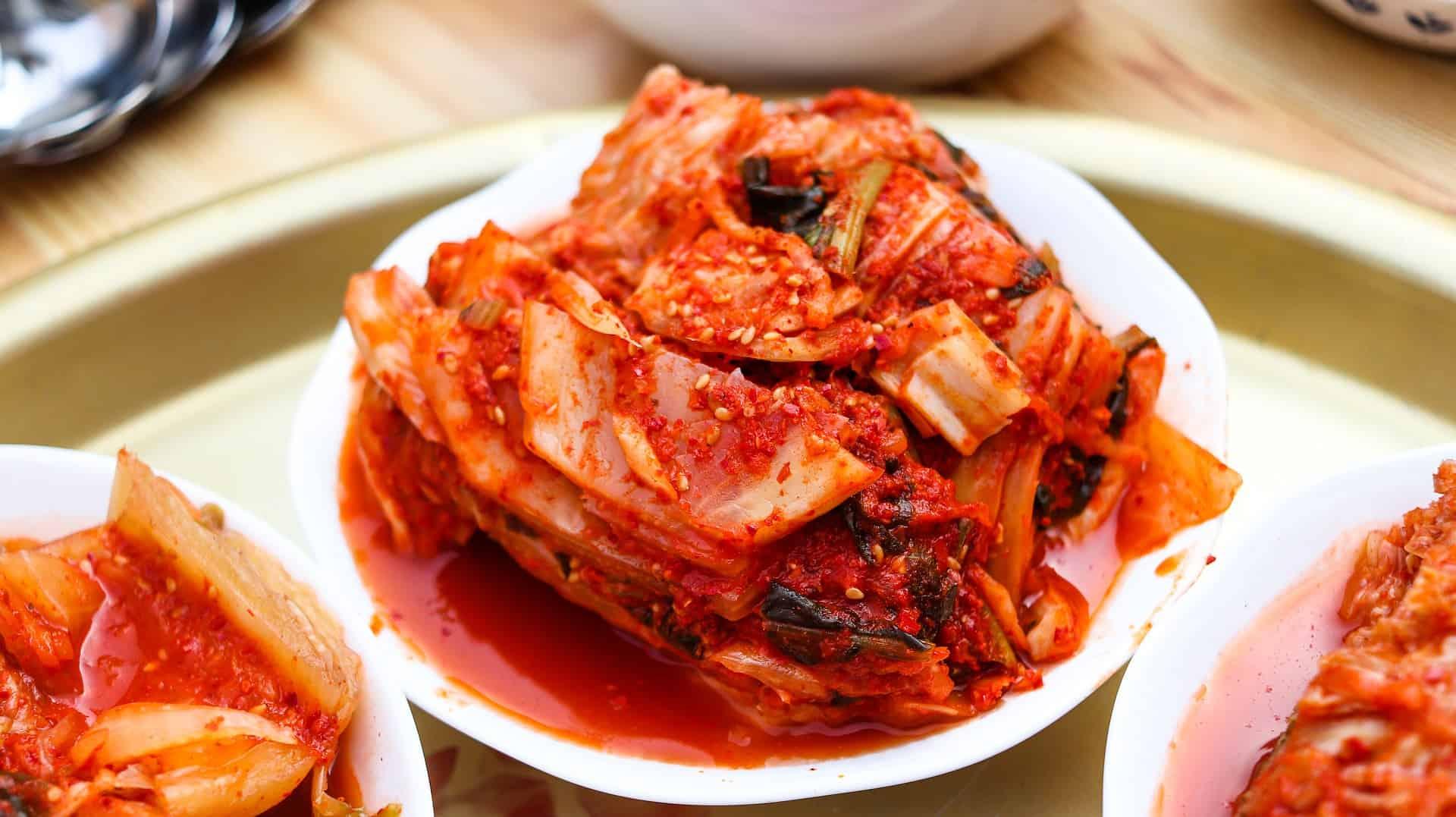 Kimchi auf einem Teller