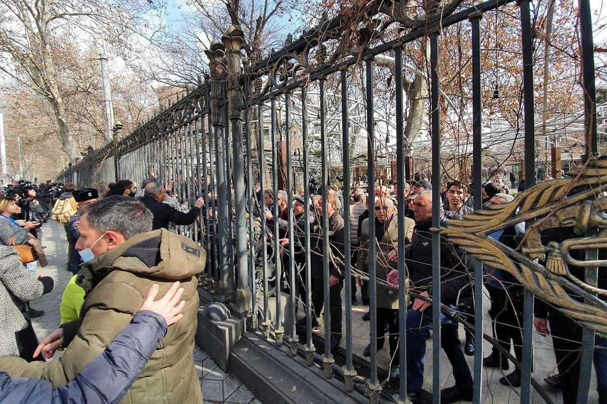 Can Armenia's Political Truce Last?