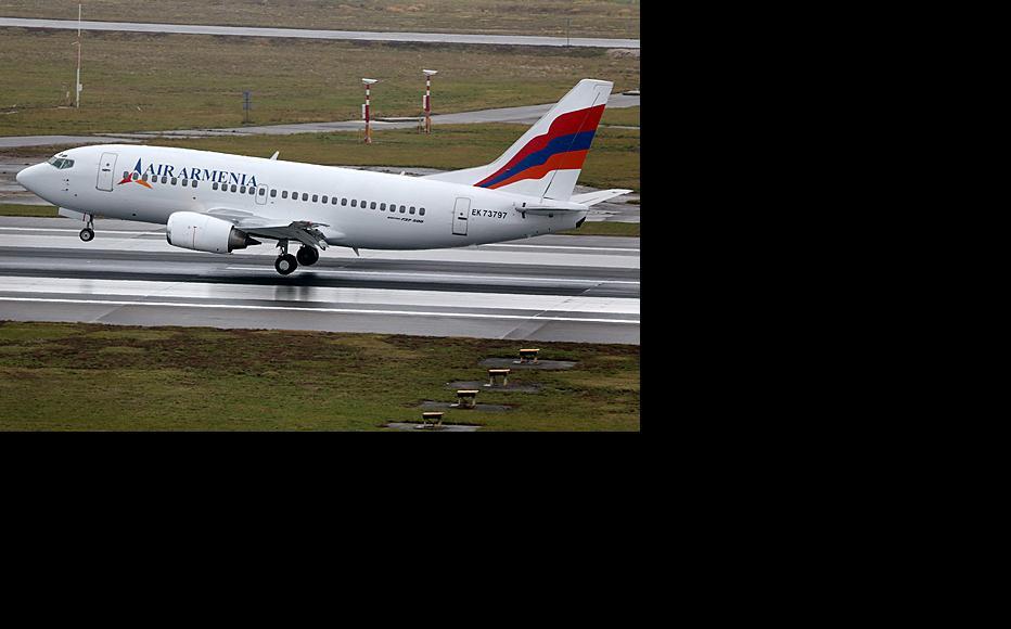 An Air Armenia passenger plane taking off. (Photo: Air Armenia Official/Wikimedia Commons)