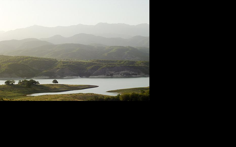 The Sarsang reservoir lies inside Nagorny Karabakh and is controlled by Armenia. (Photo: Norayr Chilingarian/Flickr)