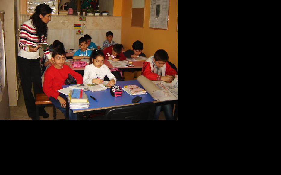 Informal-illegal school based in Armenian protestant church in 2003 for children of Armenian migrants in Istanbul. (Photo: Suren Deheryan)