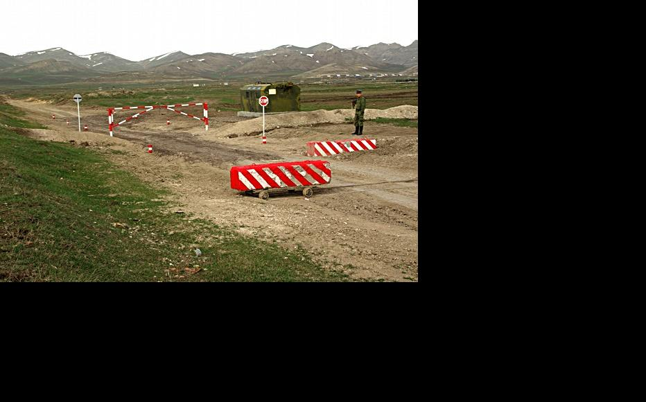 The only manned checkpoint to the firing range is fairly rudimentary. (Photo: Levon Barseghyan)