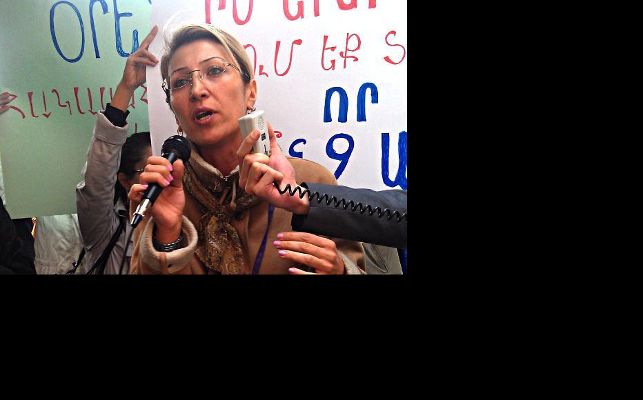 Гражданская активистка Манэ Тандилян на демонстрации 30 октября. (Фото: Гаянэ Мкртычян)