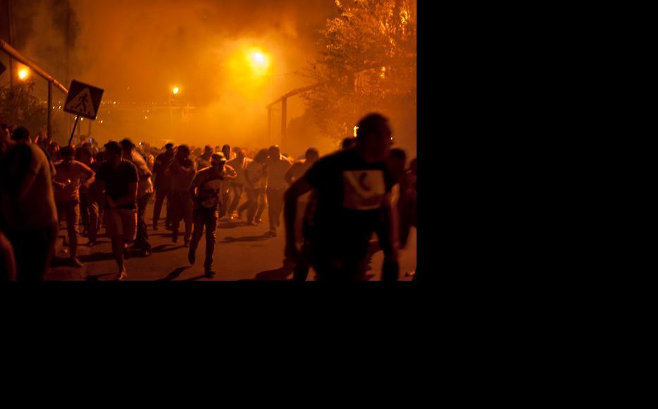 Protesters panicked when the police began using stun grenades. (Photo: Nazik Armenakyan)
