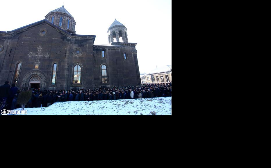 Funeral at St. Nshan Church in Gyumri. (Photo: Photolur agency)