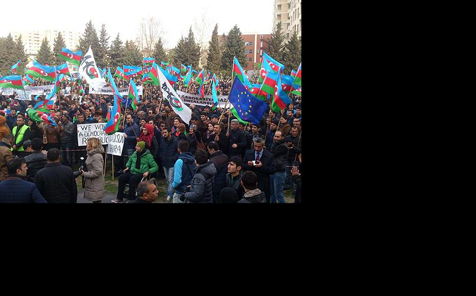 March 15 rally in Baku at which devaluation and the state of the economy were the focus of protests. (Photo: Azadliq newspaper)