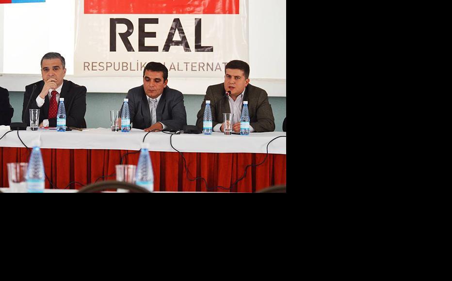 (l to r) Ilgar Mammadov, Natig Jafarli and Elkin Gadirli. (Photo: ReAl)