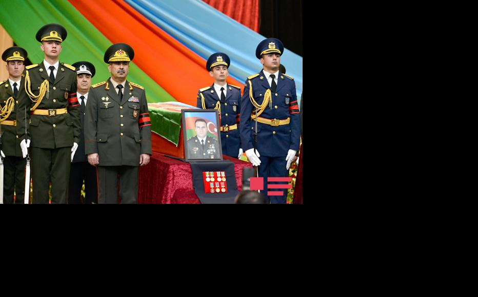 Azerbaijan´s Defense Minister Zakir Hasanov at the funeral of Azerbaijani soldiers in Baku. (Photo: APA news agency)