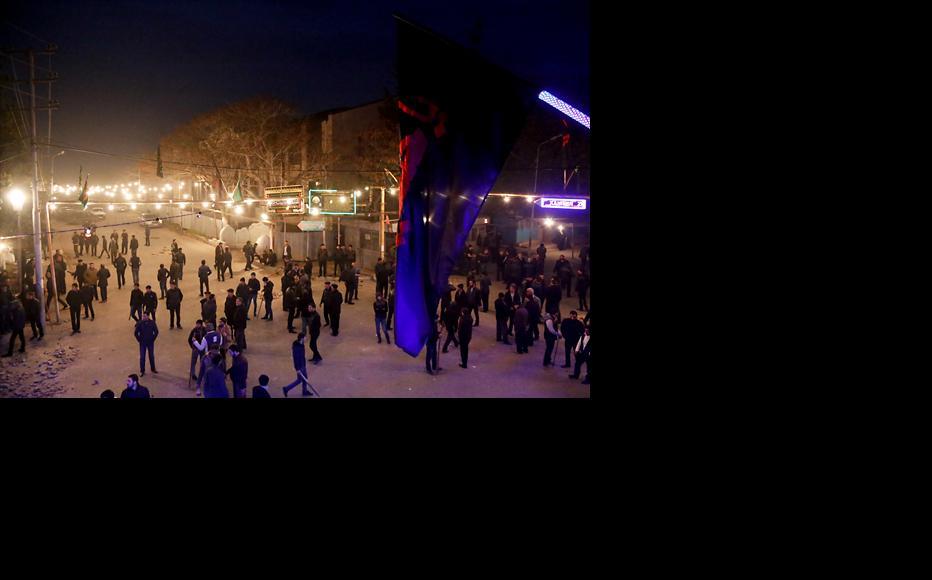 Crowds in Nardaran on November 26 (Photo: Ismail Nur)