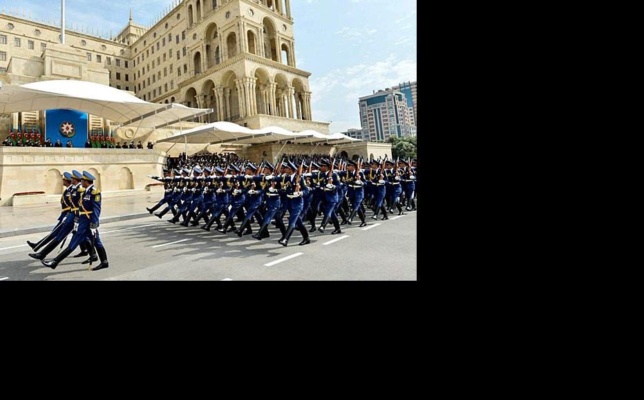 Soldiers march past in a military parade in Baku, June 6, 2013. (Photo: Official website of the president of Azerbaijan)