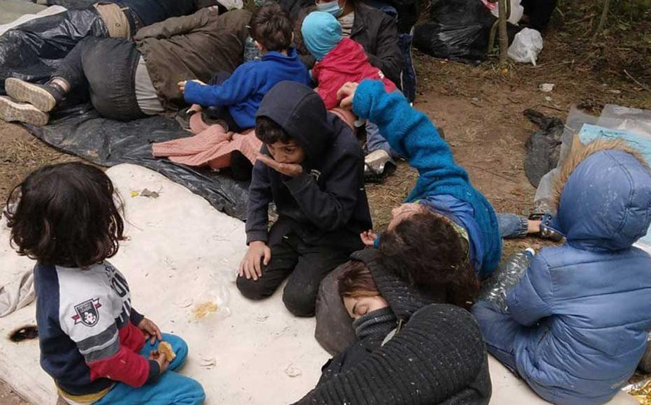 41 migrants from Iraq had to make a camp right on the border between Belarus and Latvia, while none of the border guards allowed them to enter neither Belarus, nor Latvia.