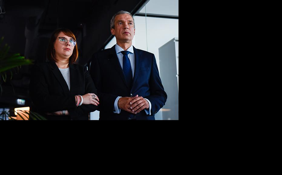 Exiled members of the presidium of the Coordination Council of Belarus, Pavel Latushko and Olga Kovalkova wait to record a video message for Belarusian citizens on September 23, 2020 in Warsaw, Poland. (Photo: Omar Marques/Getty Images)