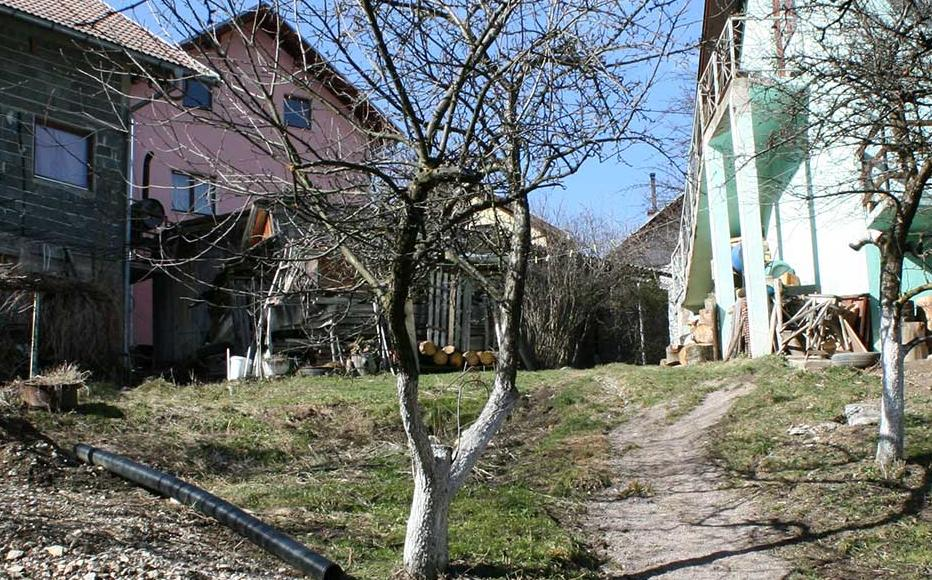 A path in Stupni Do via which Bosniaks escaped in October 1993 when they were attacked by Bosnian Croat forces.
