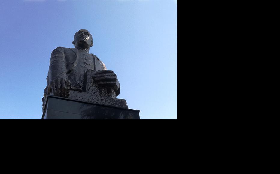 The Statue of Nariman Narimanov in Marneuli. (Photo: Joseph Alexander Smith)