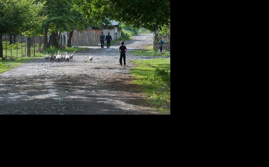 Street scene in Duisi. (Photo: Onnik Krikorian)