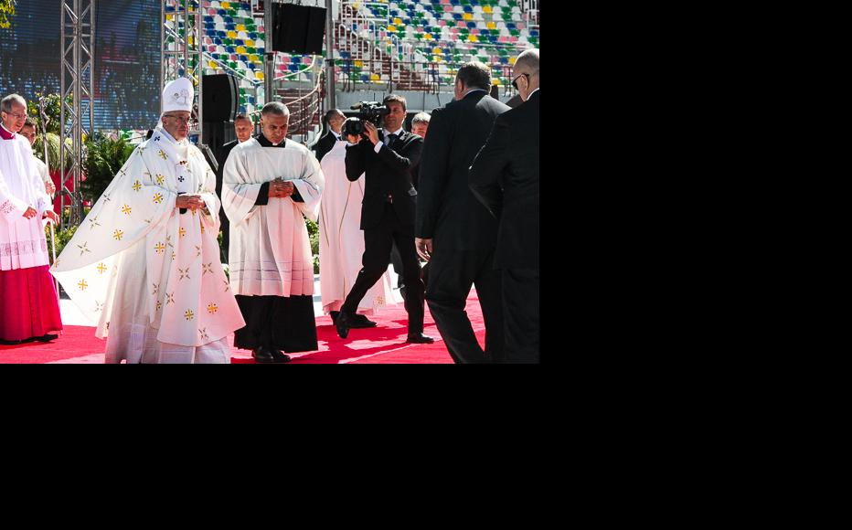 Pope Francis after the Holy Mass met with Georgian president Giorgi Mrgvelashvili, who attended the event with other government officials. (Photo: Tako Svanidze)