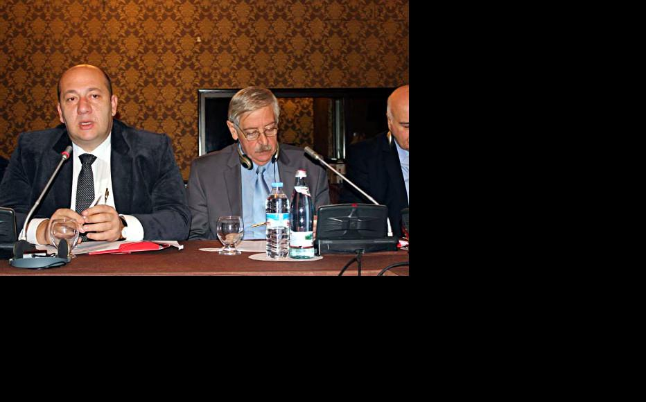 rakli Petriashvili (left), head of the Georgian Trade Union Confederation, at a conference on working conditions held in Tbilisi held on November 18-19. (Photo: Georgian Trade Union Confederation)