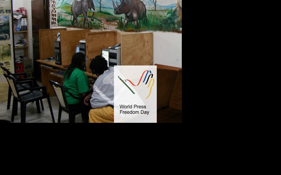 Cyber cafe in Kenya. (Photo: Giorgio Montersino/Flickr)