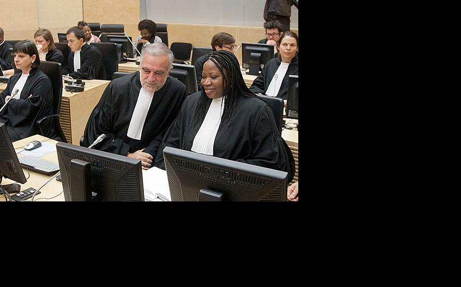 Former ICC prosecutor, Luis Moreno Ocampo, and the incumbent prosecutor Fatou Bensouda listen to the verdict against Thomas Lubanga. Judges pointed to a number of offences that might have been committed by OTP intermediaries. (Photo: ICC-CPI/Flickr)