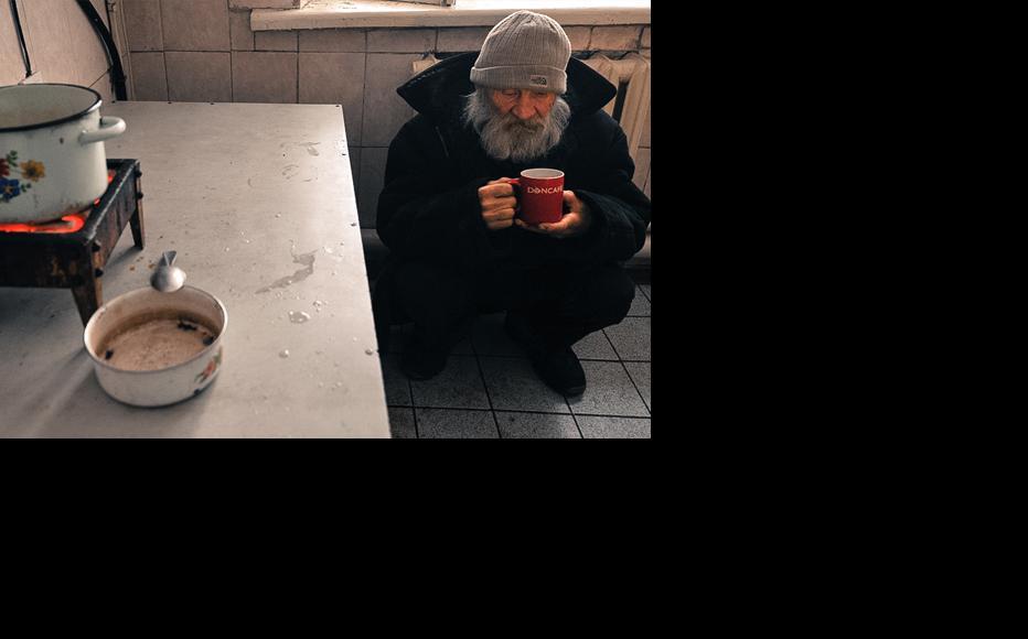 Kolomto shelter offers homeless people one hot meal per day. (Photo: Vyacheslav Oseledko)
