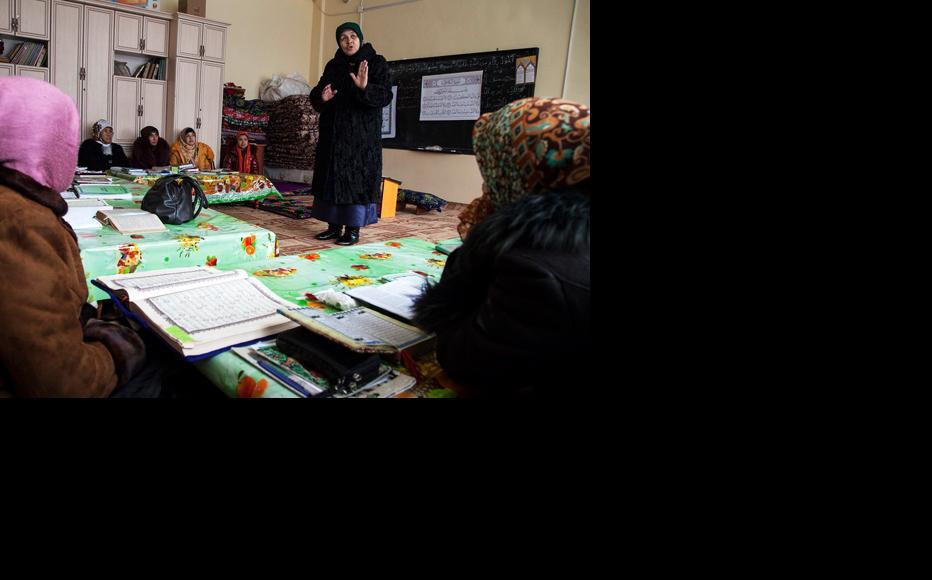 Community centre for Islamic education in Osh, Kyrgyzstan. (Photo: UN Women/Rena Effendi)