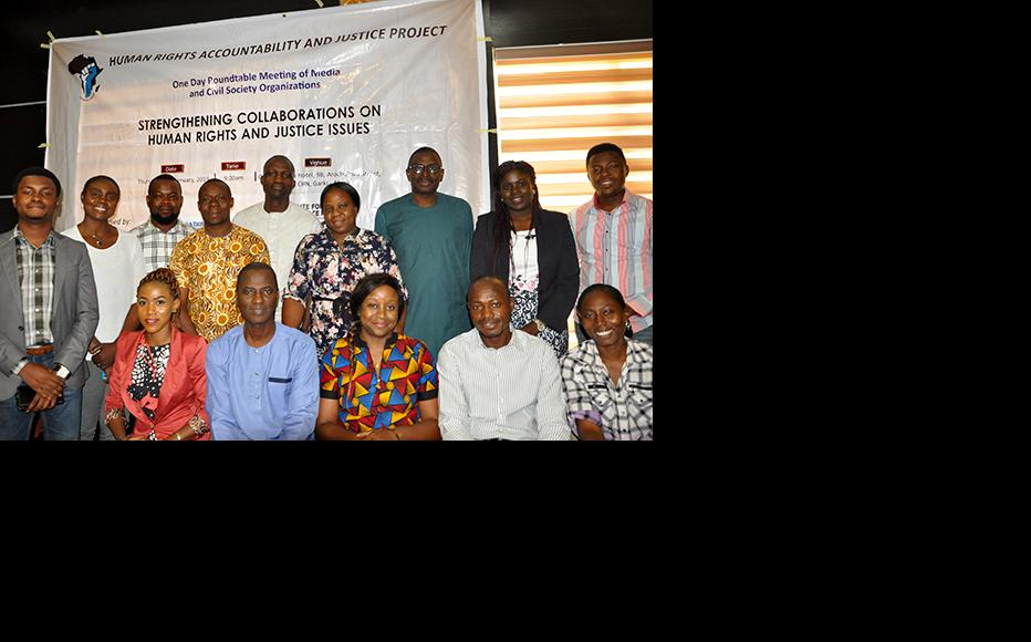 Group photograph of participants at the round-table. (Photo: ICIR)