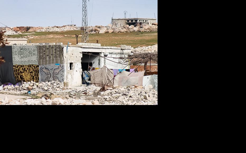 A house that has been partially repaired. (Photo: Ali Dandoush)