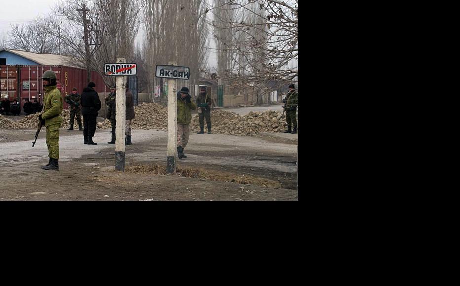 Tajik troops patrol the outer limits of the Vorukh enclave. (Photo courtesy of RFE/RL Tajik Service. © RFE/RL)